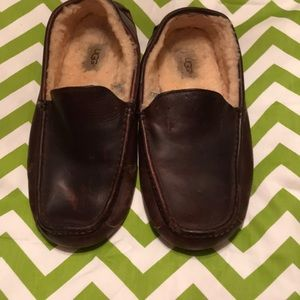 Men's UGG leather slippers size 10
